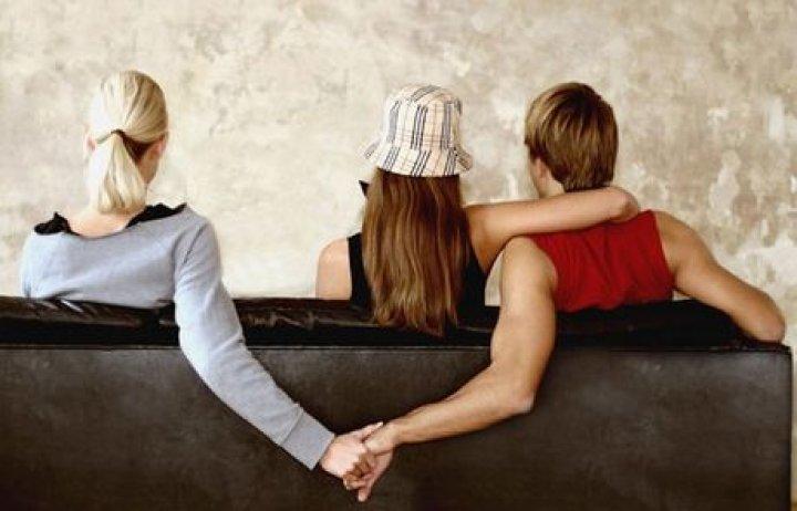 Η ανατομία μιας απιστίας: Τι σκέφτεται πριν σας απατήσει; Ή μήπως δε σκέφτεται καν;