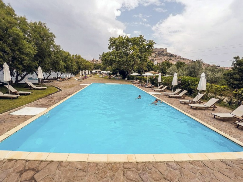 Olive Press Hotel & Apartments στο Μόλυβο